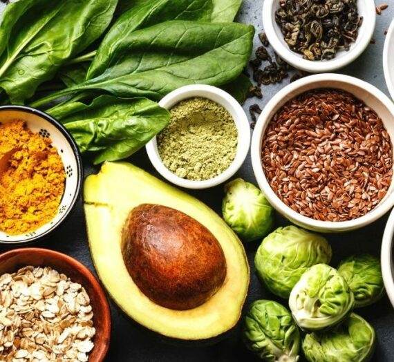 5 Superfoods to Manage PCOS